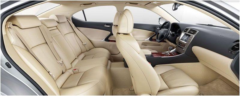Der Lexus LS 460 AWD wird von einem V8-Benzinmotor angetrieben und ist mit